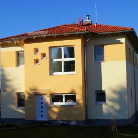 Projekt 2012. Haustür und Fenster mit Schüco Profilen.