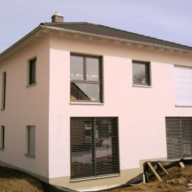 Projekt Anfang 2013: Weru Fenster mit 2 Hebeschiebetüren und Raffstore und Rollladen. Architekt: Lutz Stöckigt