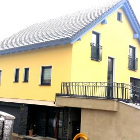Projekt 2014: Weru Castello Fenster mit Rollladen, Inotherm Haustüre und Steinau Garagentor