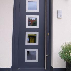 Projekt 2012. Kunststoffhaustüre