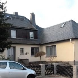Holz-Aluminium Fenster von PaX und Aluminiumhaustüre von Inotherm-